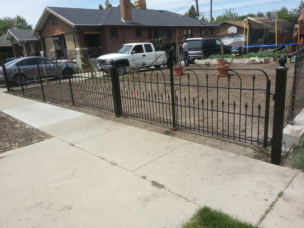56-3025-WARDLE-17440-LOOP-FENCE-ON-1700-SOUTH-CHIC