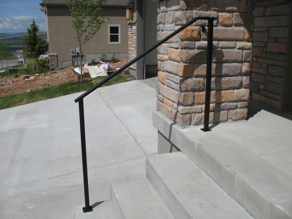 31-3100-iron-anvil-handrails-post-mount-tube-rectangular-gold-medallion-leni