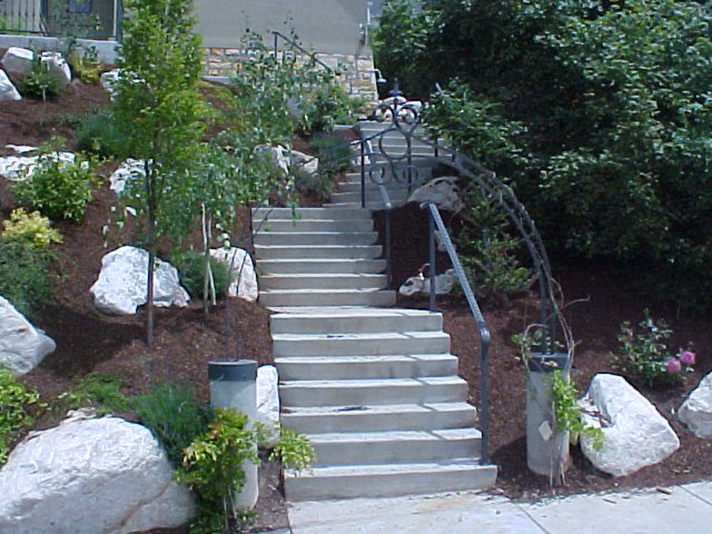 iron-anvil-handrails-post-mount-moulded-cap-prowse-bountiful
