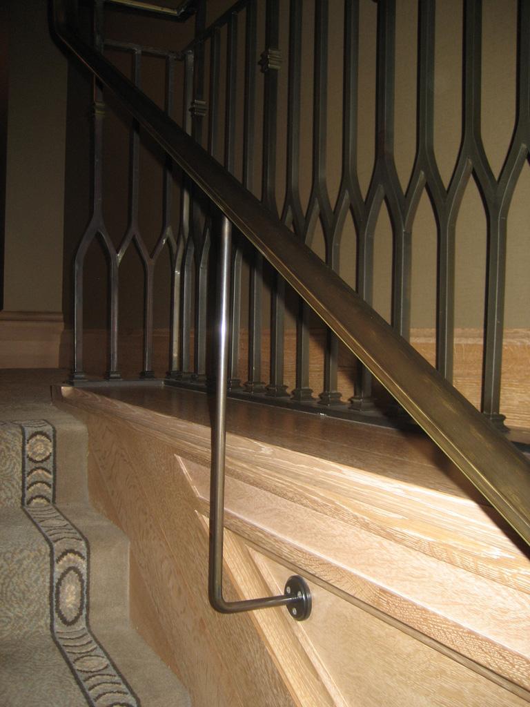 iron-anvil-handrails-post-mount-moulded-cap-st-regis-10-0914-deer-crest-by-others-1-2