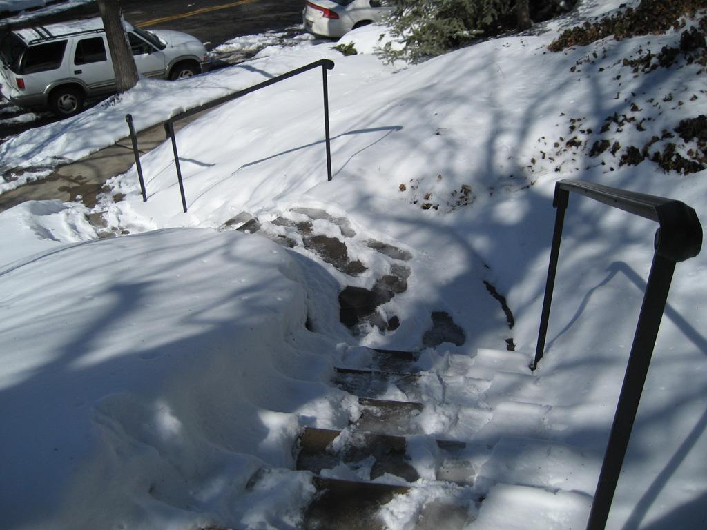 iron-anvil-handrails-post-mount-moulded-cap