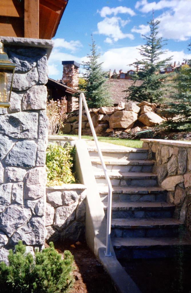 iron-anvil-handrails-post-mount-pipe-4