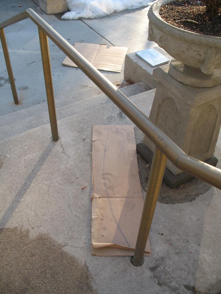 iron-anvil-handrails-post-mount-pipe-brass-garden-park-ward-harvard-yale-job-13944-6-3