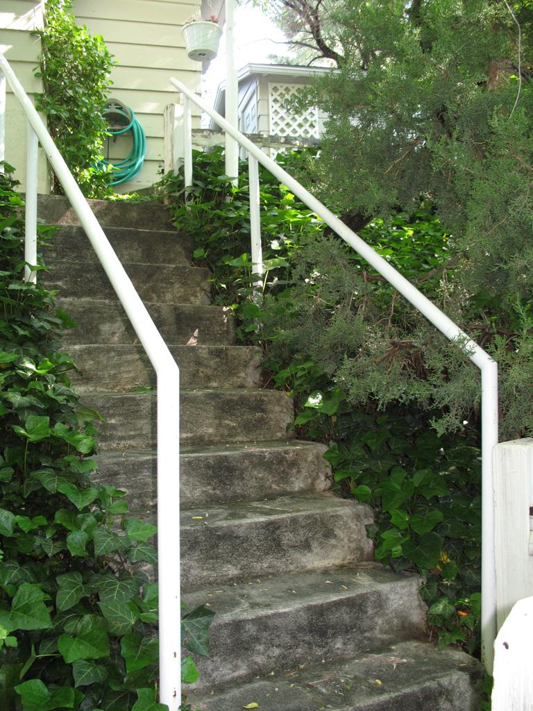 iron-anvil-handrails-post-mount-pipe-burnet