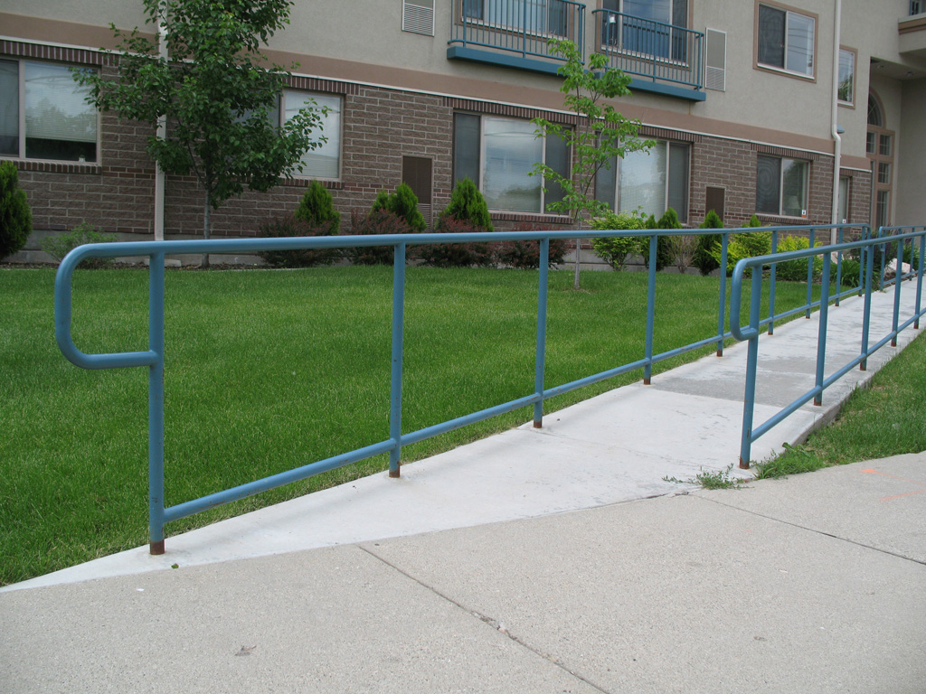 iron-anvil-handrails-post-mount-pipe-handicap-handrail-with-kick-plate