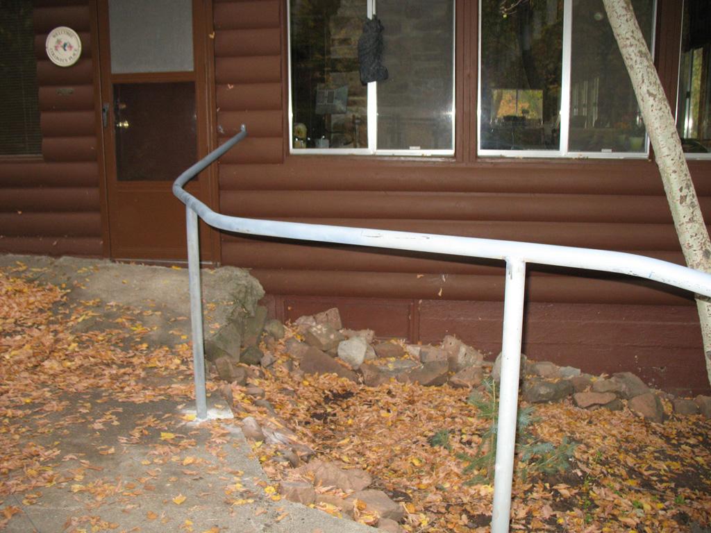 iron-anvil-handrails-post-mount-pipe-nelson-spencer-15018-6-3