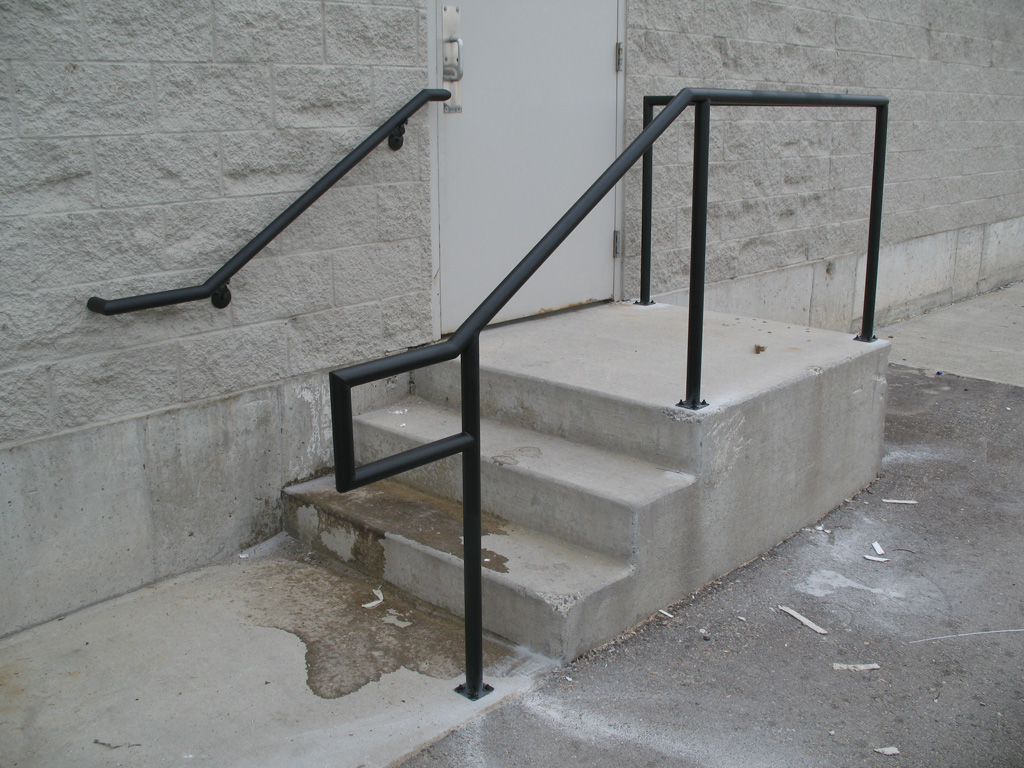 iron-anvil-handrails-post-mount-pipe-souvall-brothers-14758