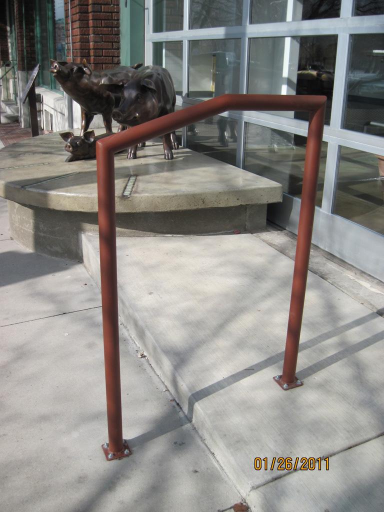 iron-anvil-handrails-post-mount-pipe-veloce
