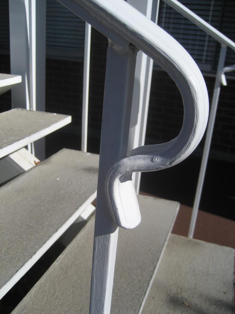 iron-anvil-handrails-post-mount-termination-lambs-tongue-2