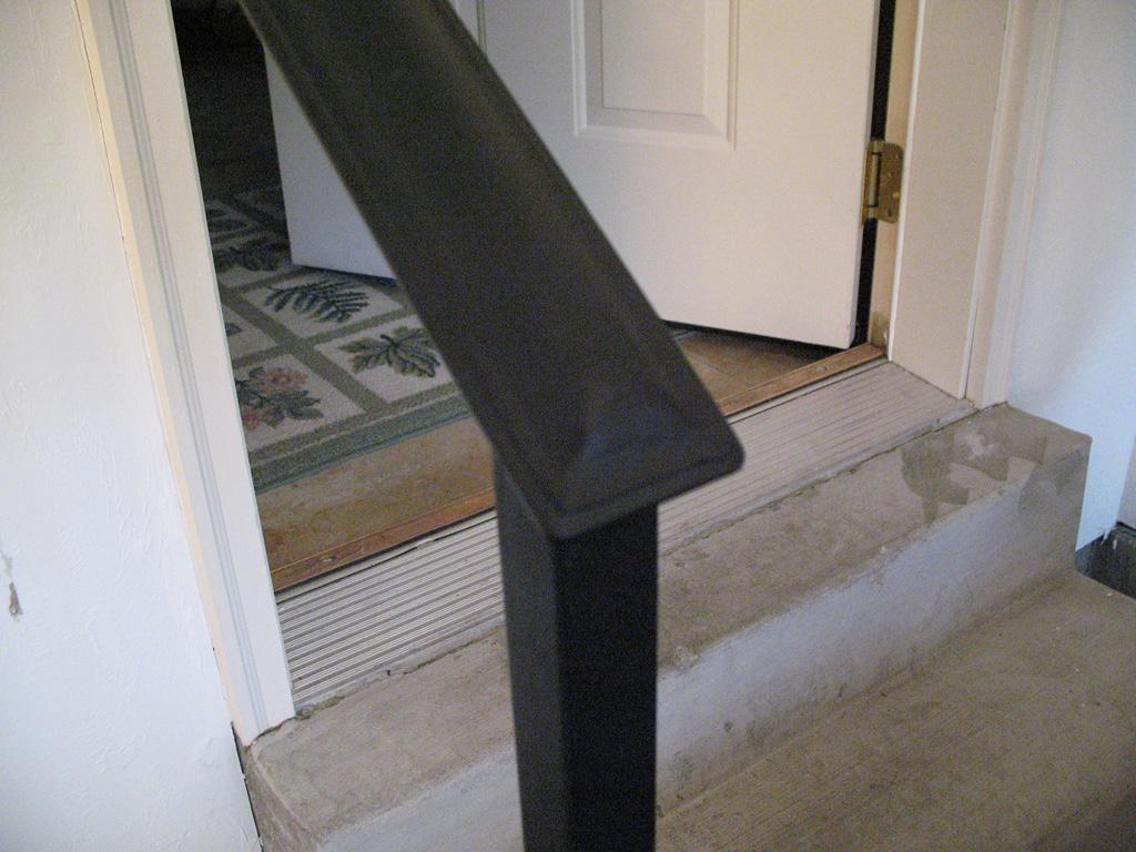 iron-anvil-handrails-post-mount-termination-moulded-cap-end-cap