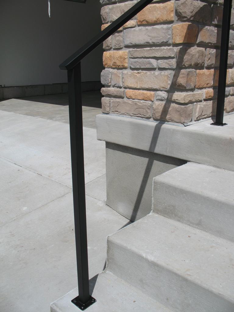 iron-anvil-handrails-post-mount-tube-rectangular-gold-medallion-leni-3-1