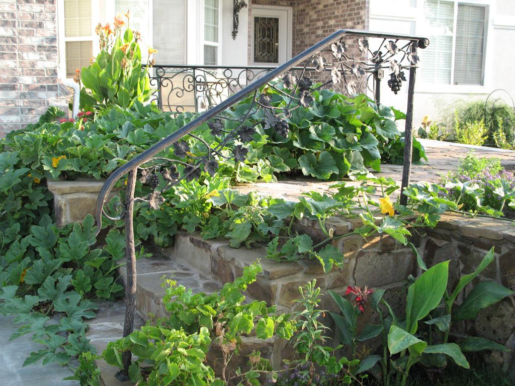 iron-anvil-handrails-post-mount-vine-vern-wilson-2-2