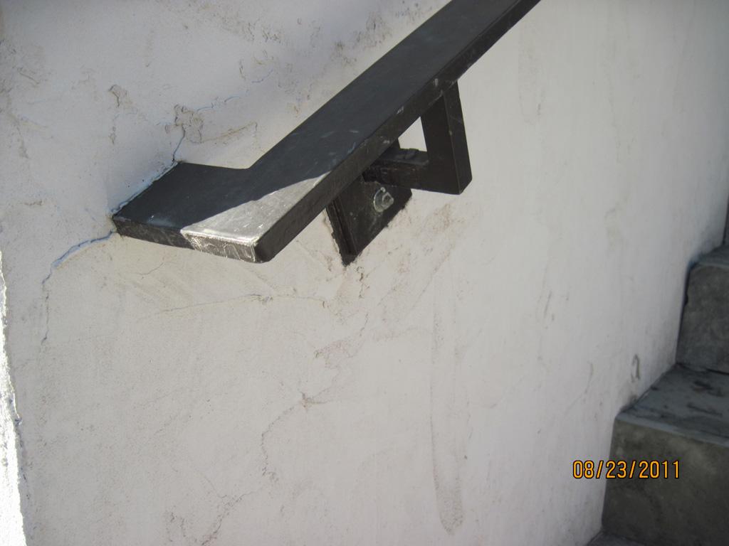 iron-anvil-handrails-wall-mount-brackets-ingerson-const-boshito-rail-3