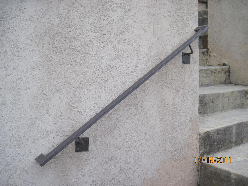 iron-anvil-handrails-wall-mount-tube-rectangular