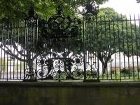 iron-anvil-railing-by-others-european-france-paris-263-5