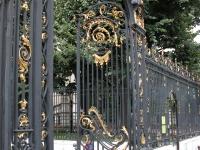 iron-anvil-railing-by-others-european-france-paris-263-51