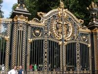 iron-anvil-railing-by-others-european-france-paris-263-63
