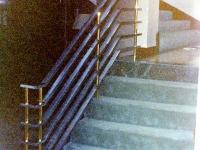 iron-anvil-railing-horizontal-flat-bar-10-4504-chrome-and-brass-2