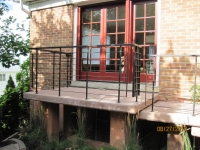 iron-anvil-railing-horizontal-flat-bar-bronston-ken-mary-hand-rail-and-railing-2-2
