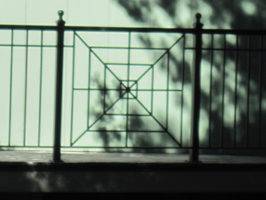 iron-anvil-railing-x-pattern-by-others-columbus-street