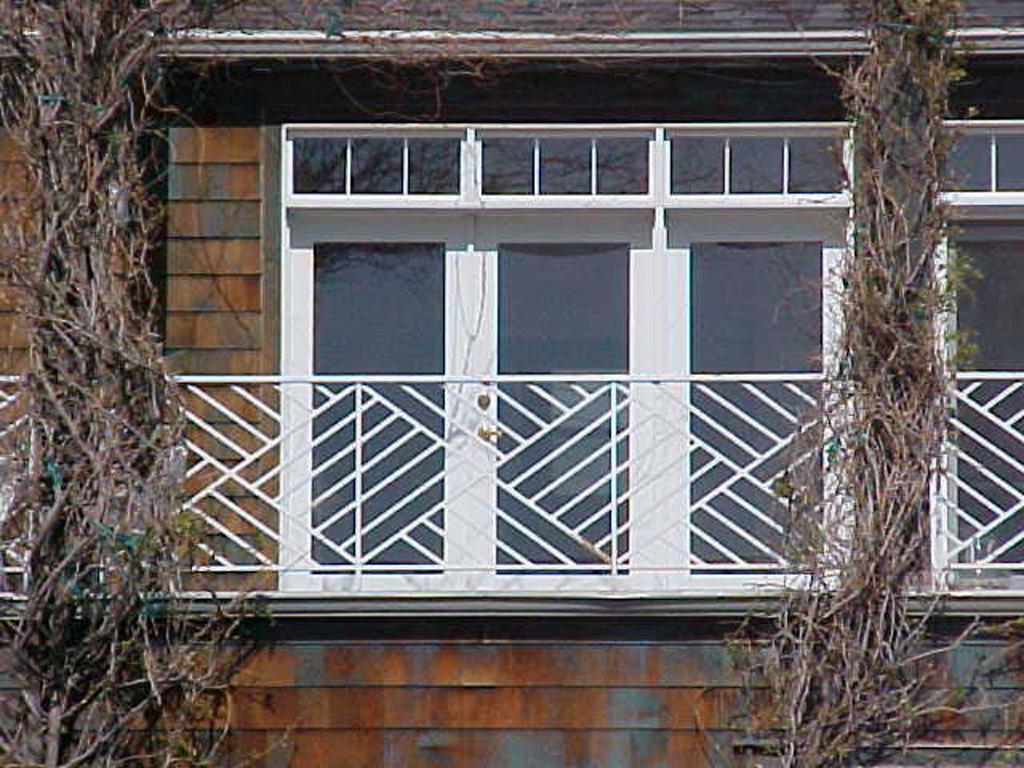 iron-anvil-railing-x-pattern-zig-zag-gary-immigration-canyon-2