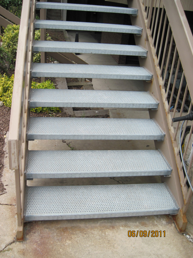 iron-anvil-stairs-double-stringer-treads-grip-strut-by-others
