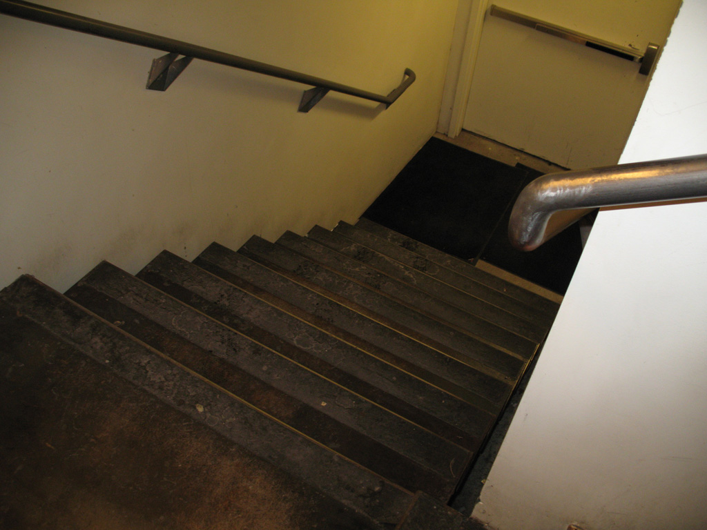 iron-anvil-stairs-double-stringer-treads-smooth-dmc-salt-lake-hardware-1