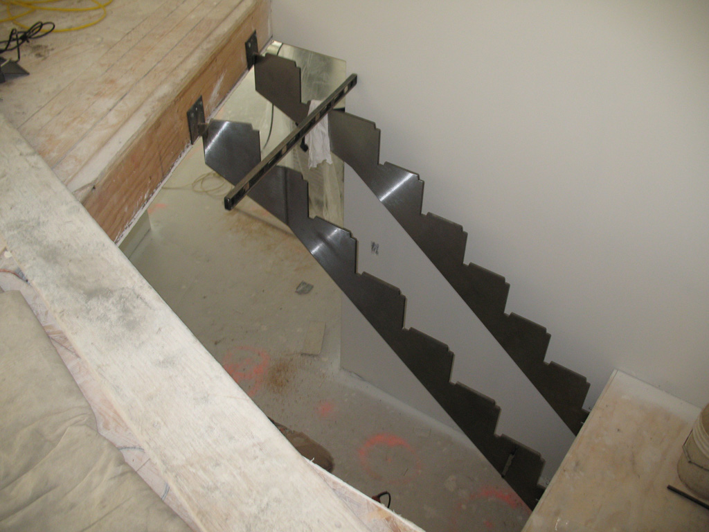 iron-anvil-stairs-double-stringer-treads-wood-bishop-14444-pepperwood-2