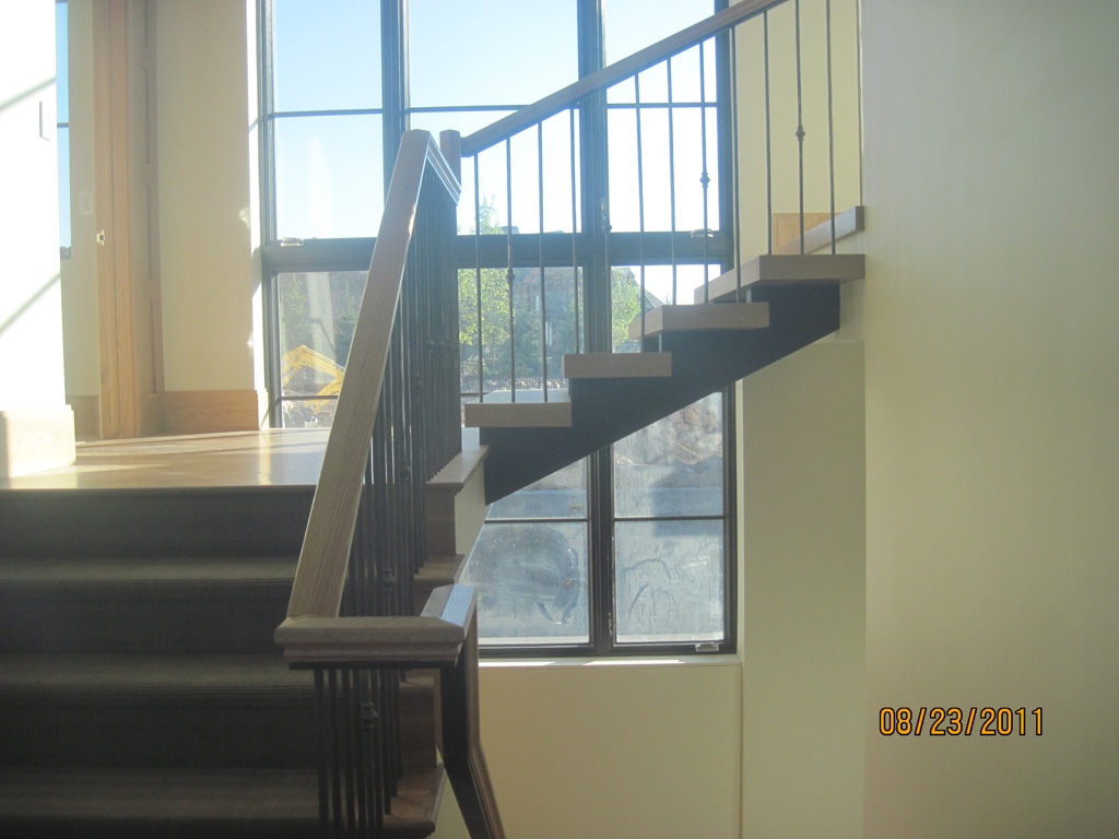 iron-anvil-stairs-double-stringer-treads-wood-boshito