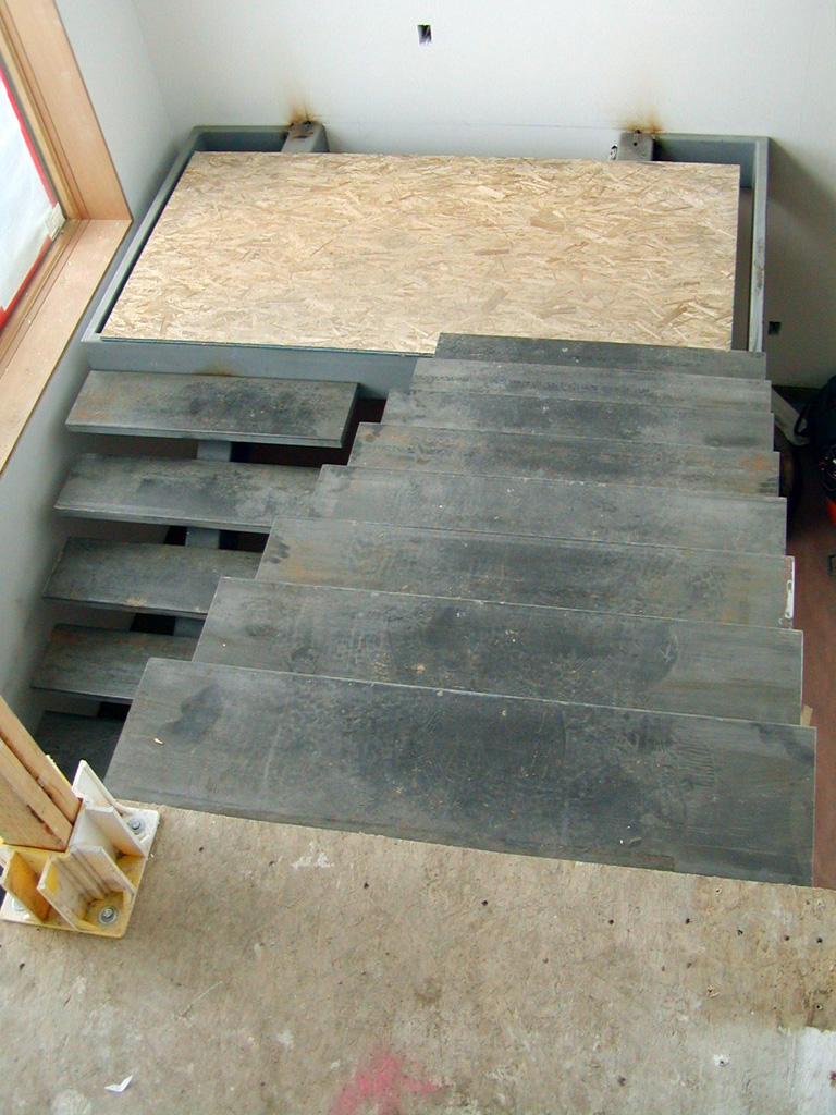 iron-anvil-stairs-single-stringer-treads-smooth-bishop-park-city-by-others-1