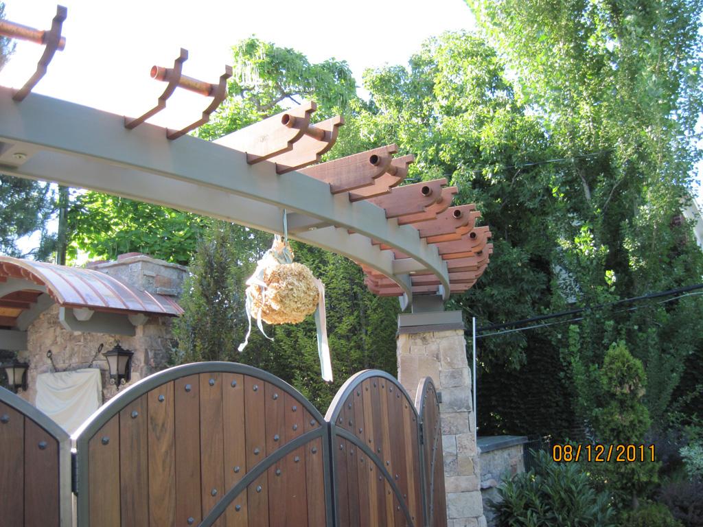 iron-anvil-pergolas-steel-wood-steel-richardson-14662-gate-6-3
