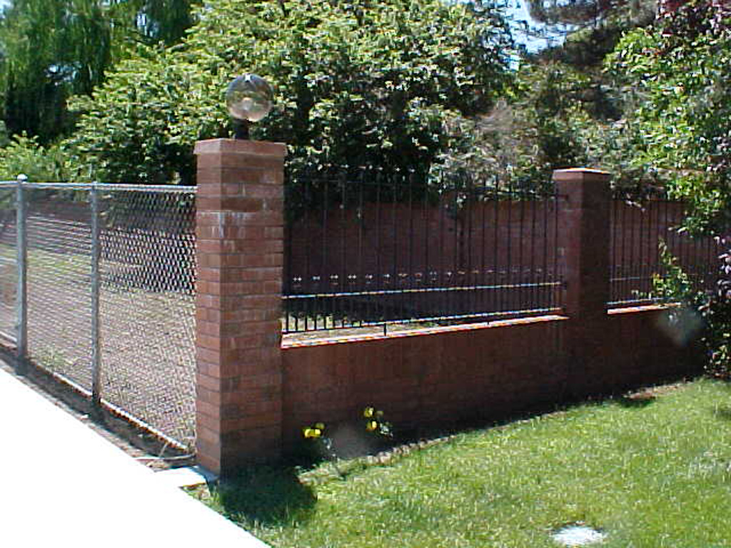 iron-anvil-fences-spear-top-double-rail-spear-smith-by-cottonwood-mall-1-5