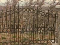 iron-anvil-fences-spear-top-double-rail-circles-lucas-fence-11-5-3