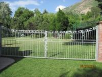 iron-anvil-fences-by-others-concave-vine-valance-3