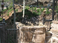 iron-anvil-fences-by-others-iron-anvil-fences-aire-dr-park-city-hammered-tube-by-others-4