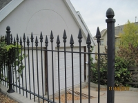 iron-anvil-fences-by-others-iron-anvil-fences-by-capitol-2