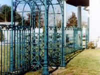 iron-anvil-fences-by-others-iron-by-others-005
