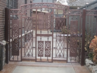 iron-anvil-fences-by-others-peter-gate-by-others