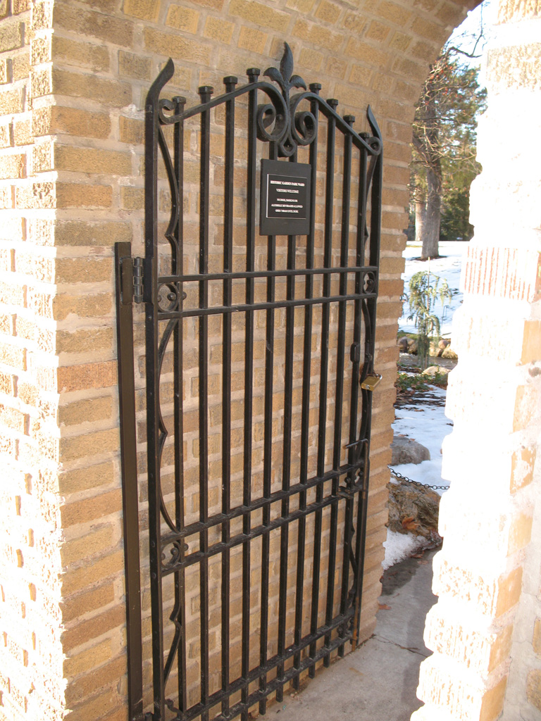iron-anvil-gates-antiques-antique-gate-garden-park-lds