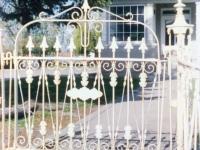 iron-anvil-gates-antiques-003