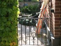 iron-anvil-gates-antiques-lapine-gate-antique-2