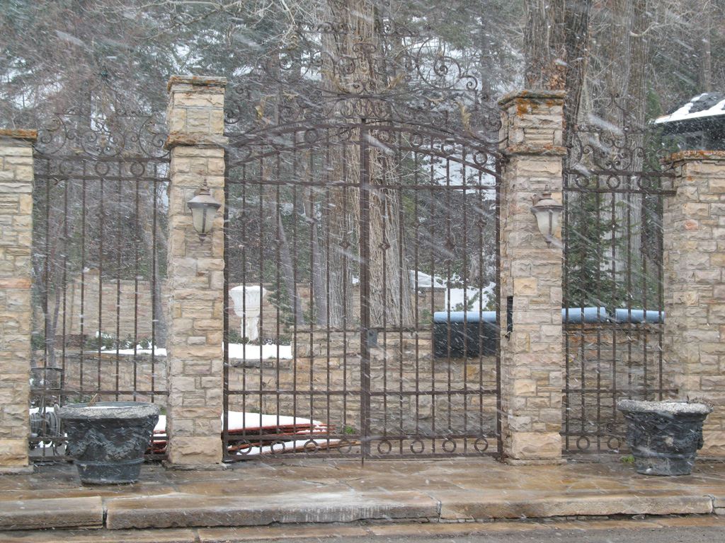 iron-anvil-gates-by-others-man-arch-immigration-canyon-1