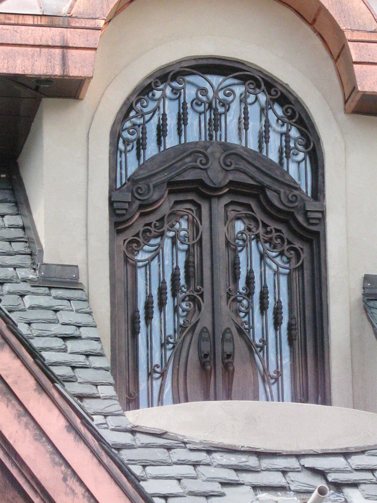 iron-anvil-gates-by-others-man-woolf-job-13143-a