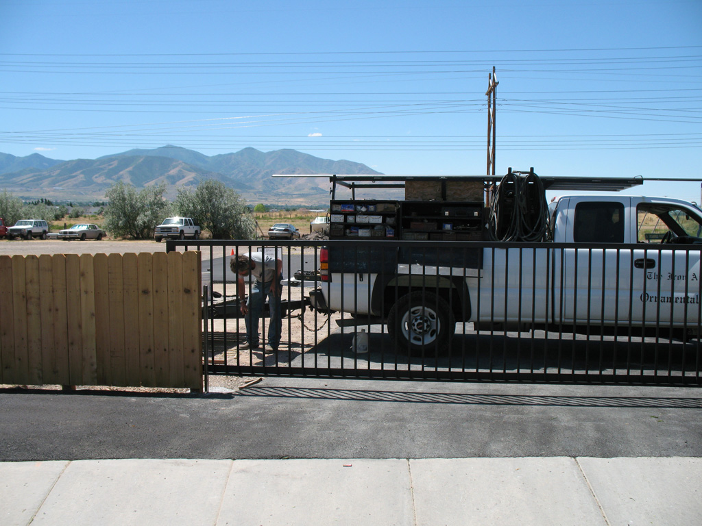 iron-anvil-gates-driveway-flat-rolling-west-valley-2