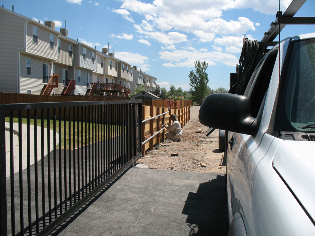iron-anvil-gates-driveway-flat-rolling-west-valley