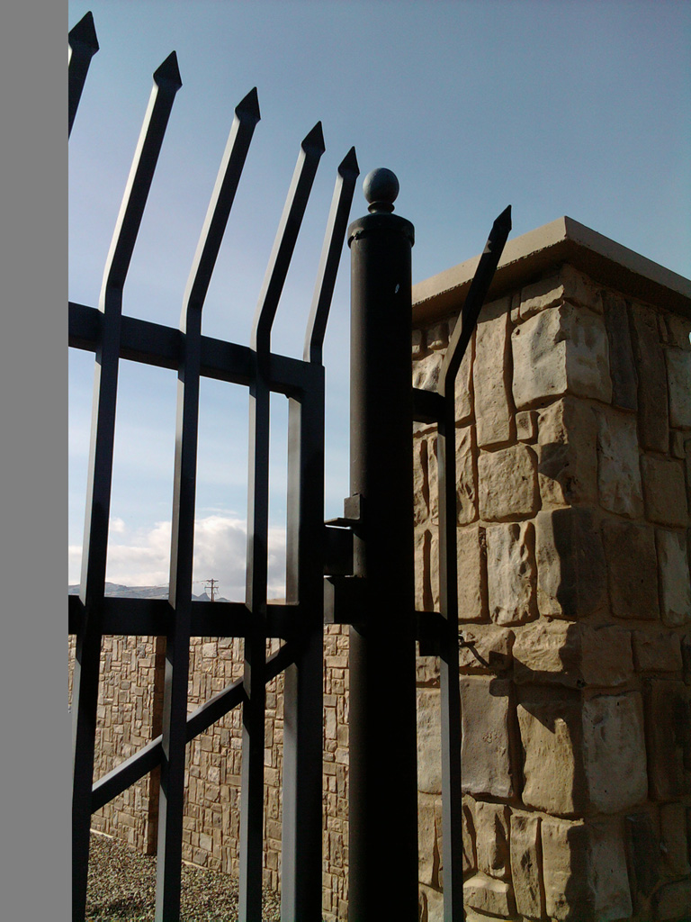 iron-anvil-gates-driveway-flat-wasatch-electric-1-1