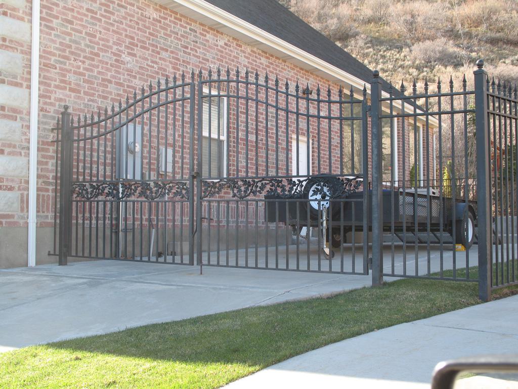 iron-anvil-gates-driveway-french-curve-03
