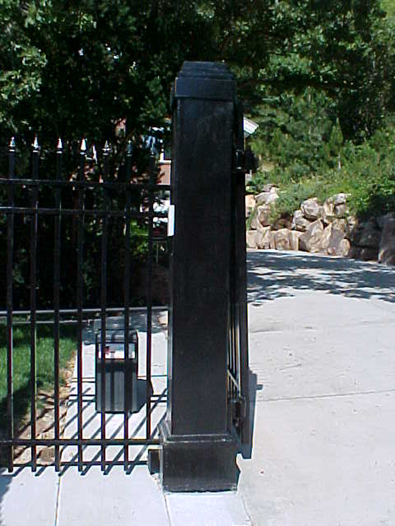 iron-anvil-gates-driveway-french-curve-wasatch-cove-1