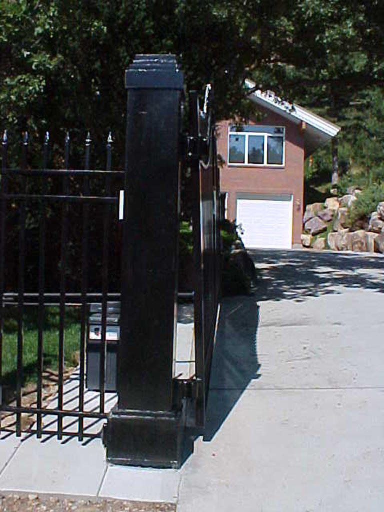 iron-anvil-gates-driveway-french-curve-wasatch-cove-5