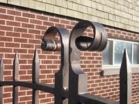 iron-anvil-gates-driveway-arch-boren-15810-1